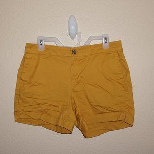 3/$20 Old Navy Mustard Yellow Everyday Short